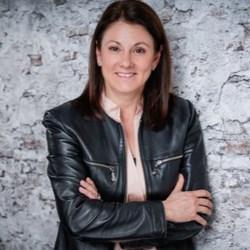 Carina El-Nomany - Autorin, Schamanin und Beraterin