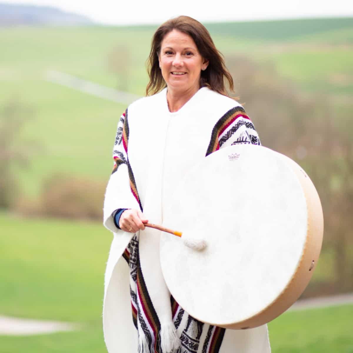 Carina El-Nomany - schamanisches Ritual Outdoor